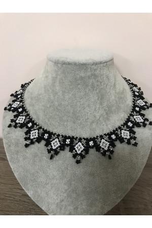 Ожерелье «Серебристые отблески»