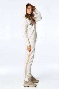 Спортивный костюм «Домра» молочного цвета