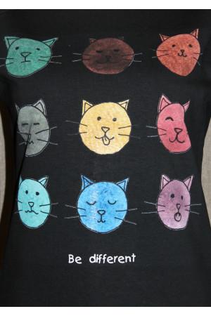 """Женский свитшот """"Be different"""" черного цвета"""