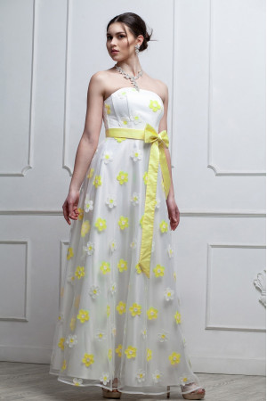 Платье «Антония» белого цвета с желтыми цветами