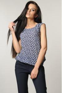 Блуза «Китти» темно-синяя с цветами