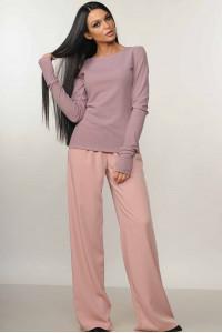 Костюм «Бейс-Шер»: пудрові брюки та лілова кофта