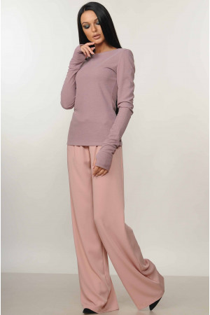 Костюм «Бэйс-Шэр»: пудровые брюки и лиловая кофта