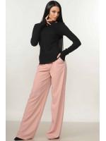 Костюм «Бэйс-Шэр»: пудровые брюки и черная кофта