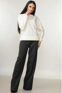 Костюм «Мікаель-Шер»: чорні брюки та світшот білого кольору
