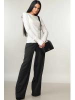 Костюм «Бейс-Шер»: чорні брюки та  кофта білого кольору
