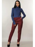 Костюм «Бейс-Роу»: синій гольф і брюки бордового кольору