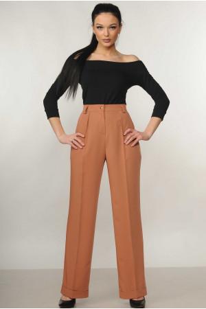 Костюм «Ешлі-Марті»: чорна блуза та брюки карамельного кольору