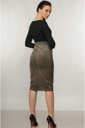 Костюм «Бэйс-Вельмира»: черный гольф и юбка цвета хаки
