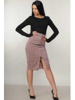 Костюм «Бэйс-Вельмира»: черный гольф и юбка лилового цвета