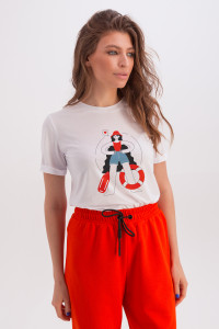 Футболка «Эрин» белого цвета с принтом «девушка-спасательница»