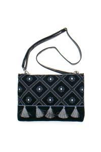 Вышитая сумка черного цвета «Колокольчик»