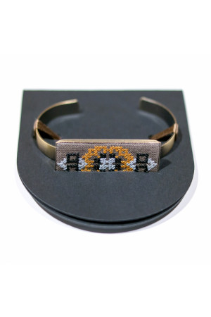 Вишитий браслет з льону коричневого кольору