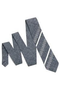 Вышитый галстук «Макар» серого цвета
