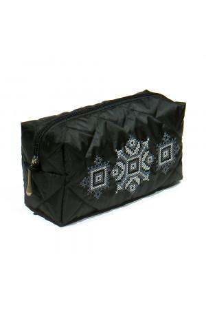 Вышитая косметичка «Вояж» черного цвета