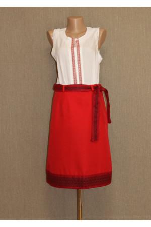 Красная вышитая юбка с поясом