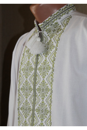 """Вишиванка """"Перезим'я"""" з зеленим орнаментом"""