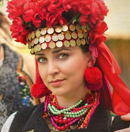 Традиційні риси українського національного одягу aeb3a76da5af7