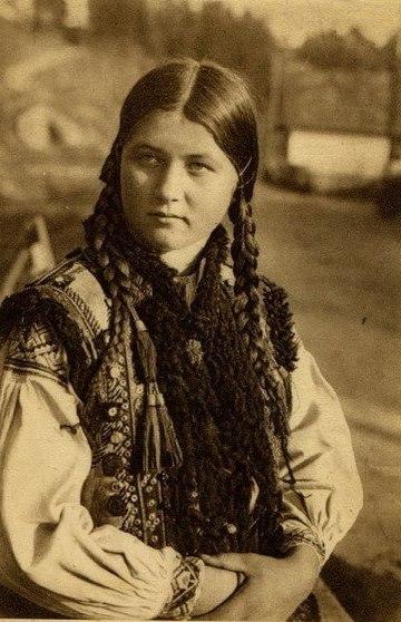 Український одяг дуже різноманітний завдяки регіональним особливостям 25ad04bf935ea