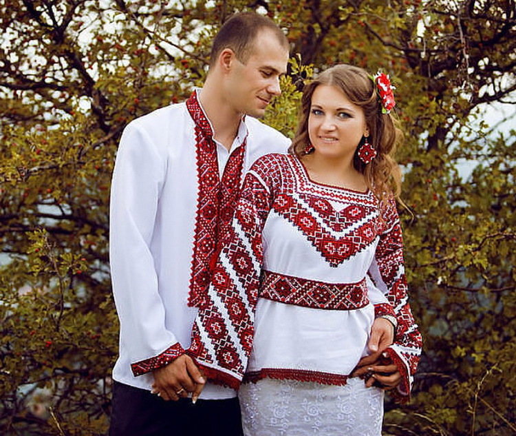 Різнобарв я українських вишивок або 24 неповторні сорочки-вишиванки 1784922776e0f